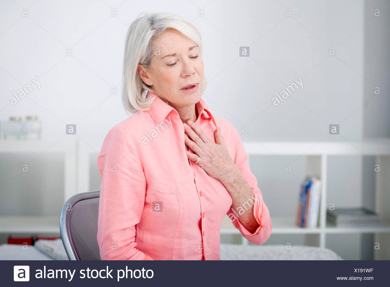 Asthma, elderly person - Stock Image