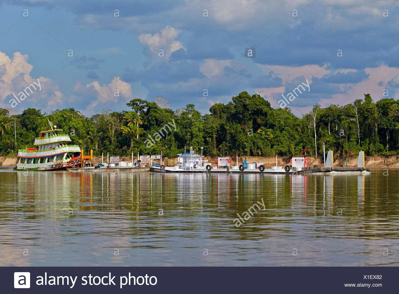 Towboat and barge on the Rio Purus - Brazil Amazon - Stock Image
