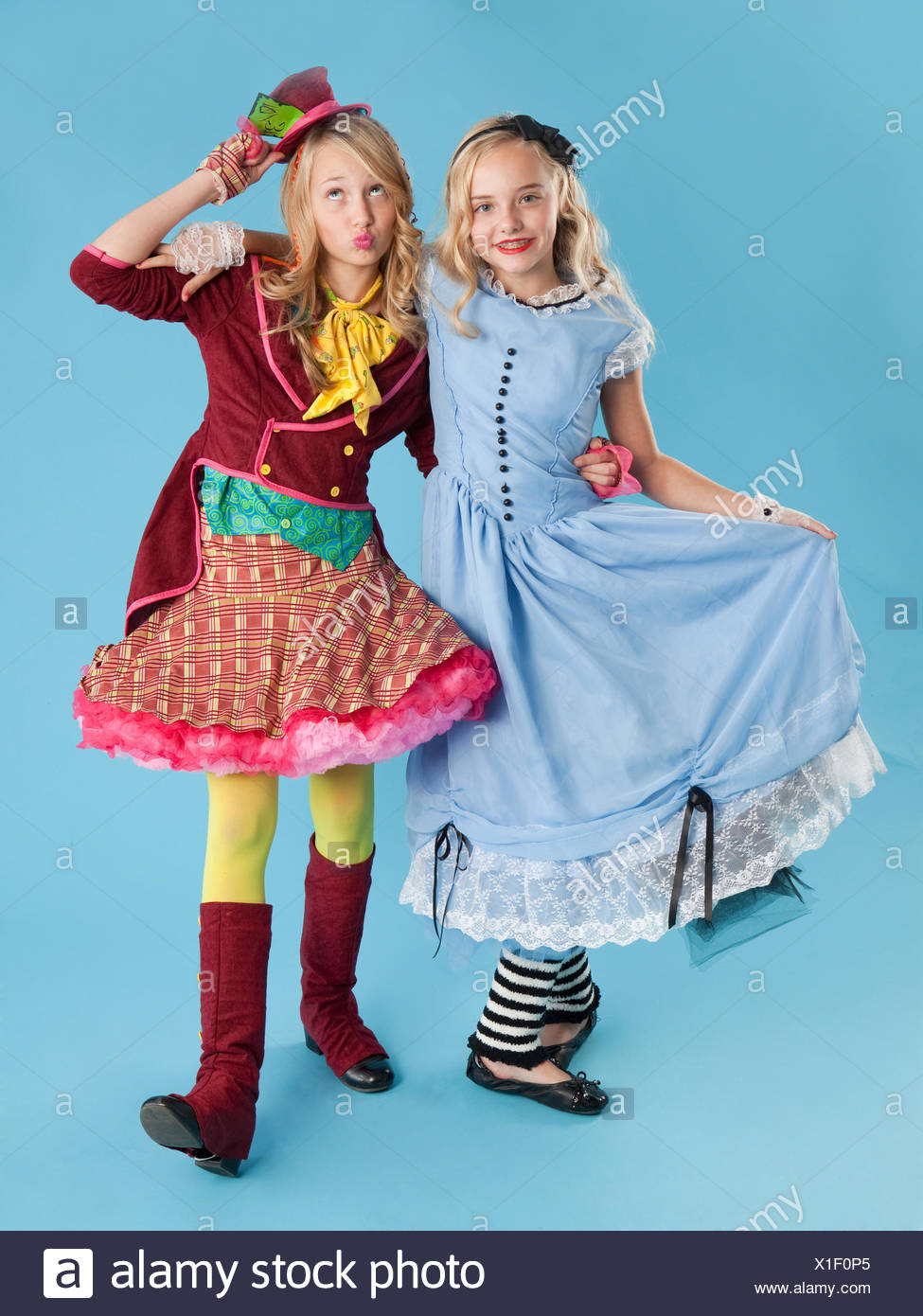 Two Girls 10 11 In Alice In Wonderland Costumes For Halloween