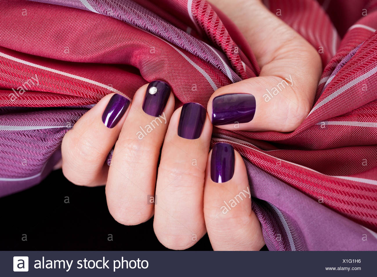 Maroon Nail Polish Stock Photos & Maroon Nail Polish Stock Images ...