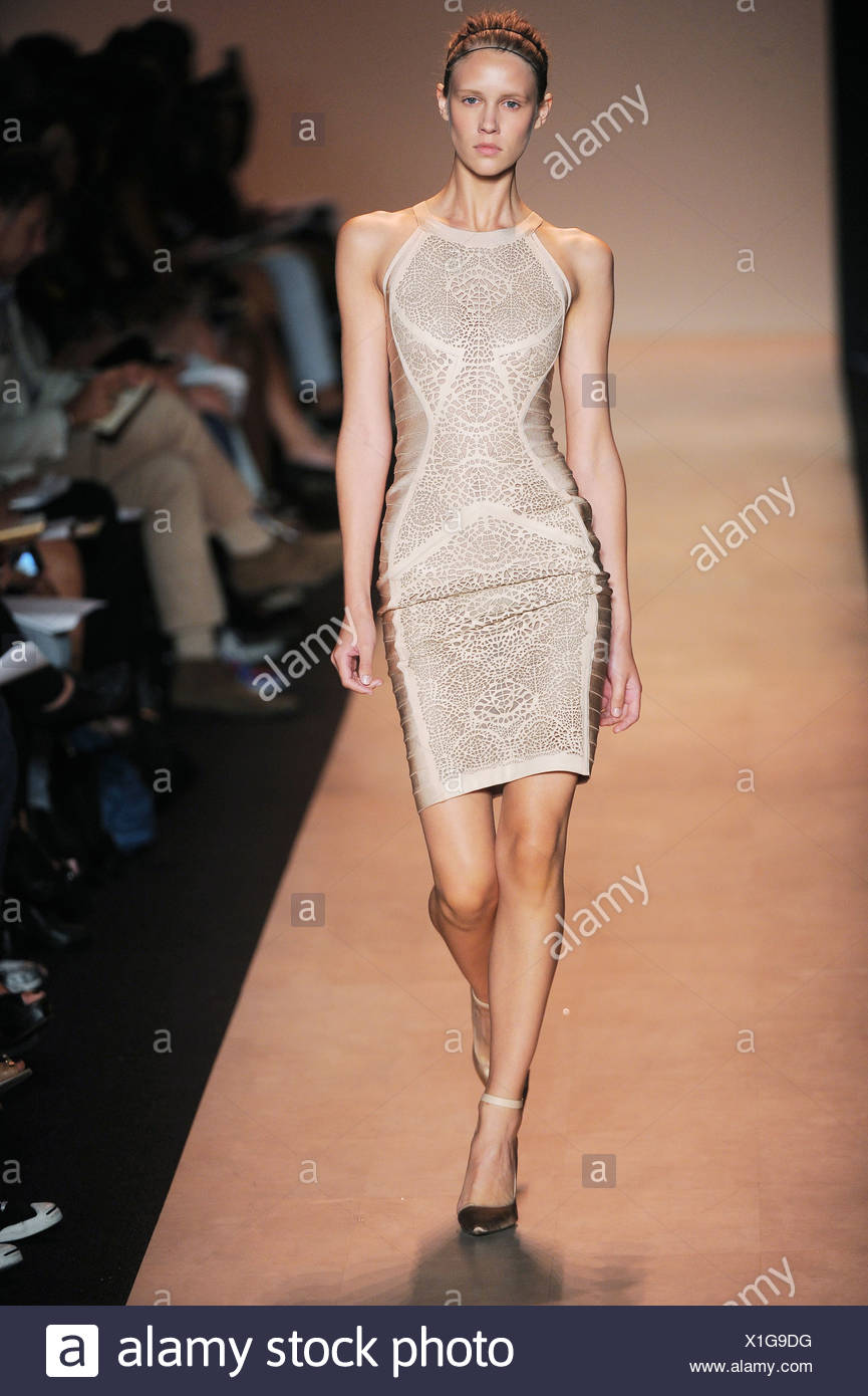 24a8ce2fb8e2 Herve Leger by Max Azria New York Ready to Wear Spring Summer 2011 ...