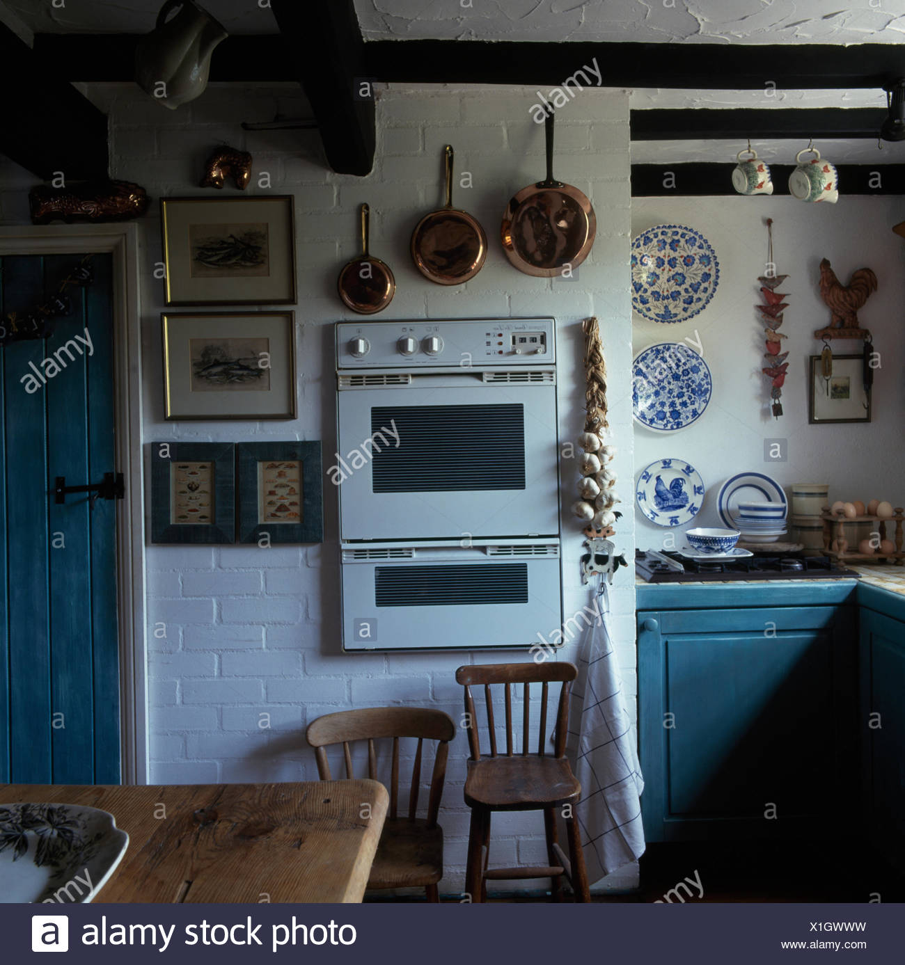 White Nineties Kitchen Stock Photos & White Nineties Kitchen Stock ...