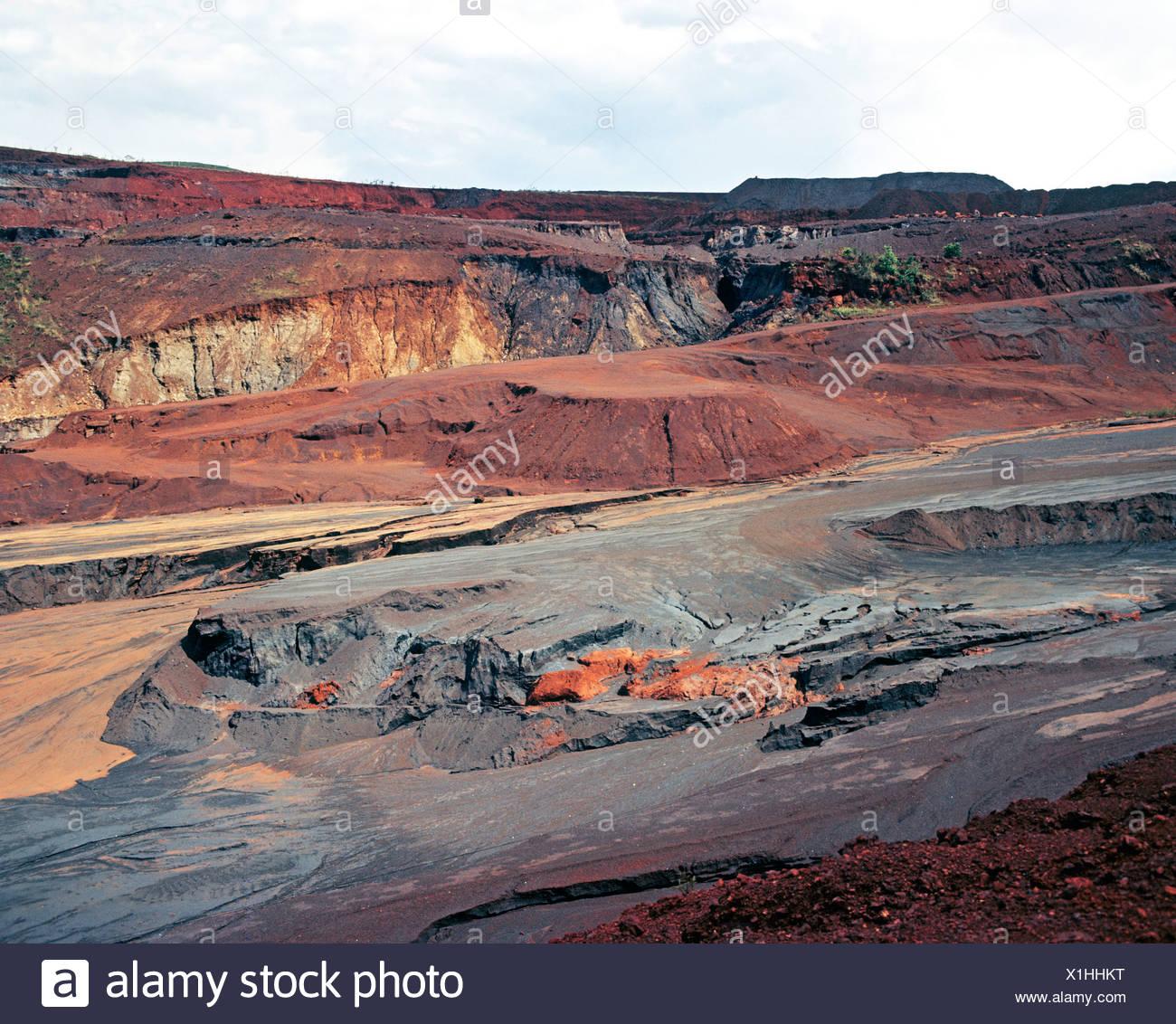 Ore mining in Mineracao between Rio de Janeiro and Belo Horizonte, Brazil, South America Stock Photo