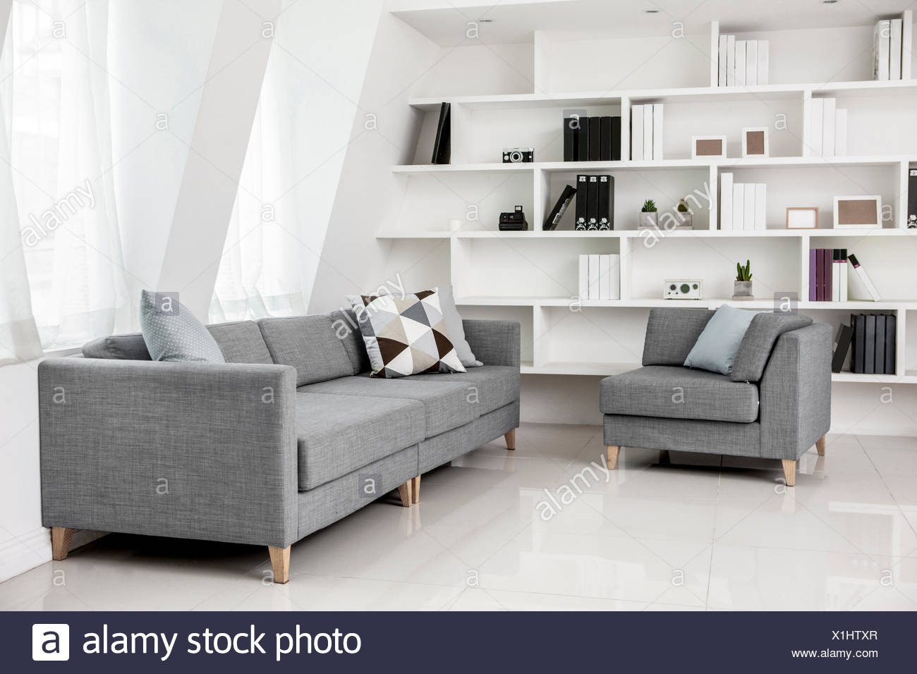 Bookcases Living Room Stock Photos & Bookcases Living Room ...