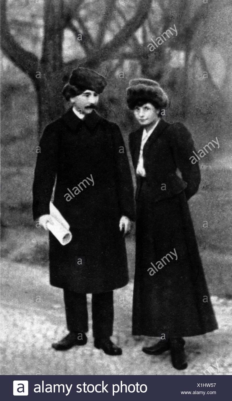 Hasek, Jaroslav, 30.4.1883 - 3.1.1923, Czech author / writer, full length, with his wife Jarmila Haskova, 1908, Stock Photo