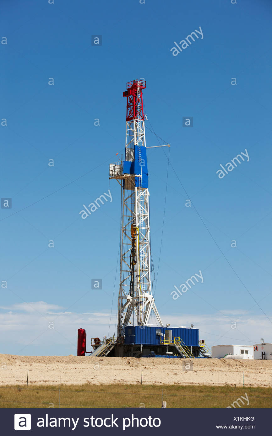 Natural gas drilling rig, Hydrofracking or Fracking - Stock Image