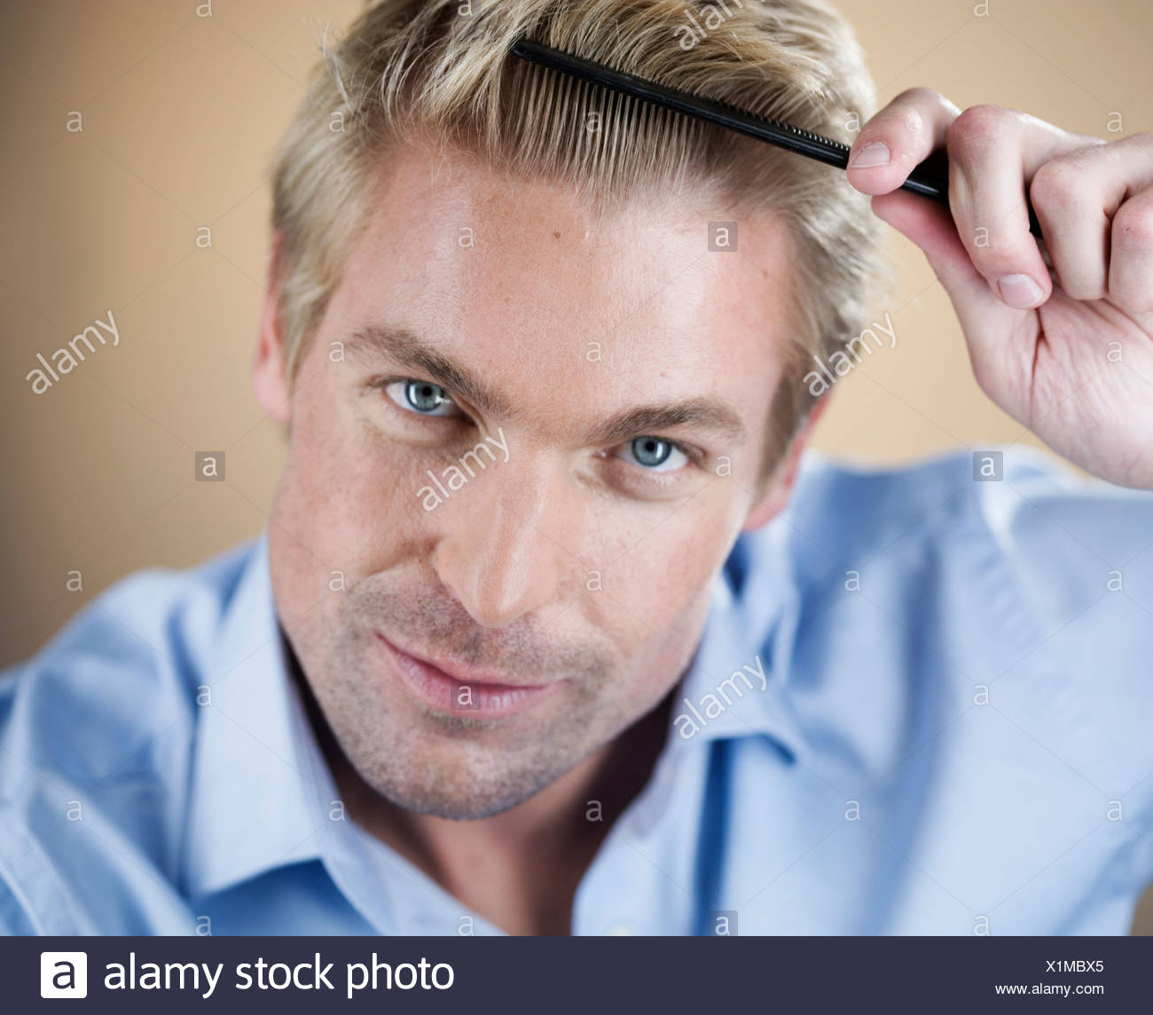 Combing Stock Photos Combing Stock Images Alamy