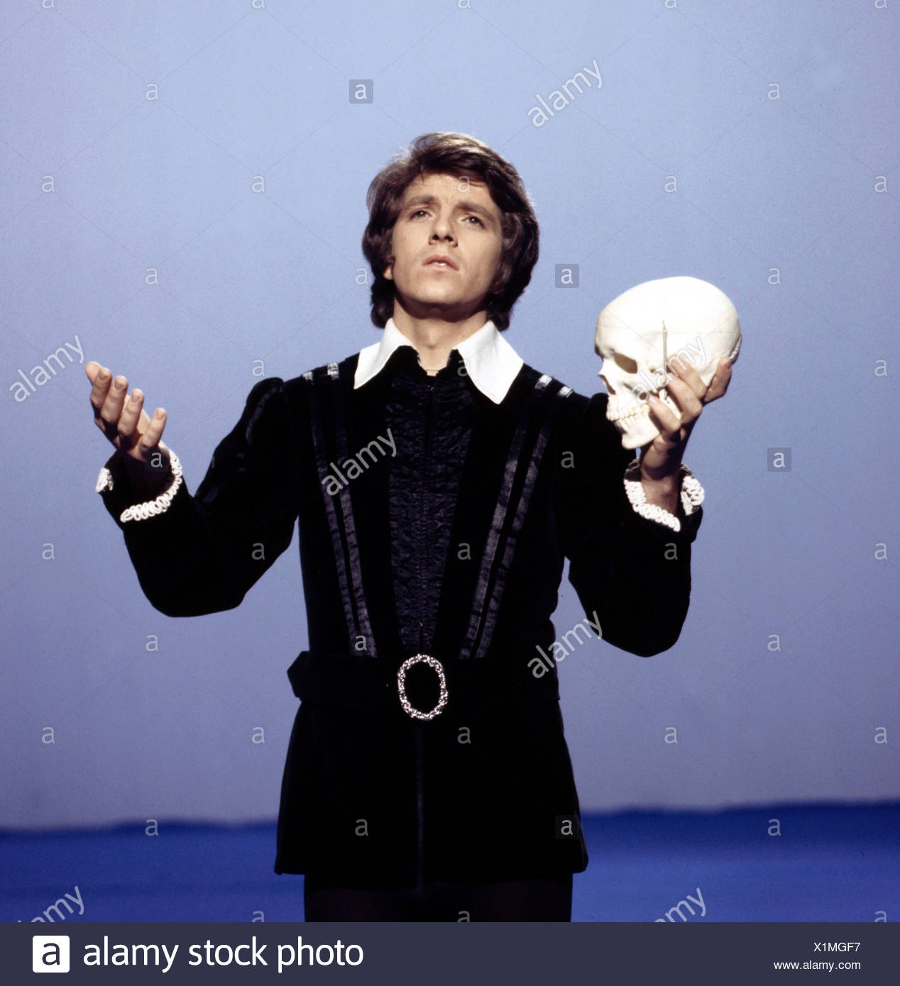 Schanze, Michael, * 15.1.1947, German moderator and singer, half length, dressed up as Hamlet, 1970s, Additional-Rights-Clearances-NA - Stock Image