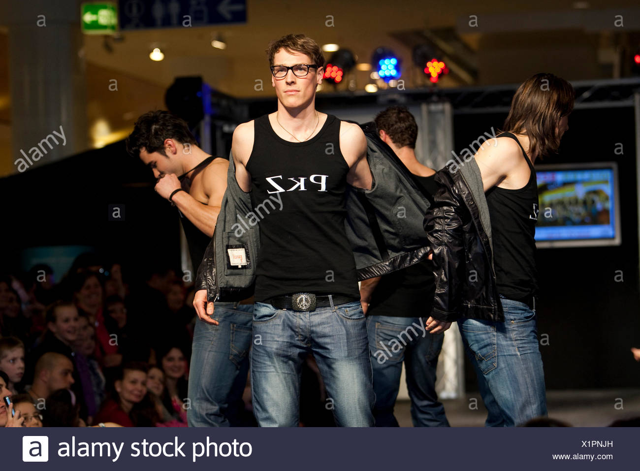 Christian Stieger, Mister-Switzerland-finalist 2010, presenting Feldpausch and PKZ in a fashion show in the Emmencenter shopping - Stock Image
