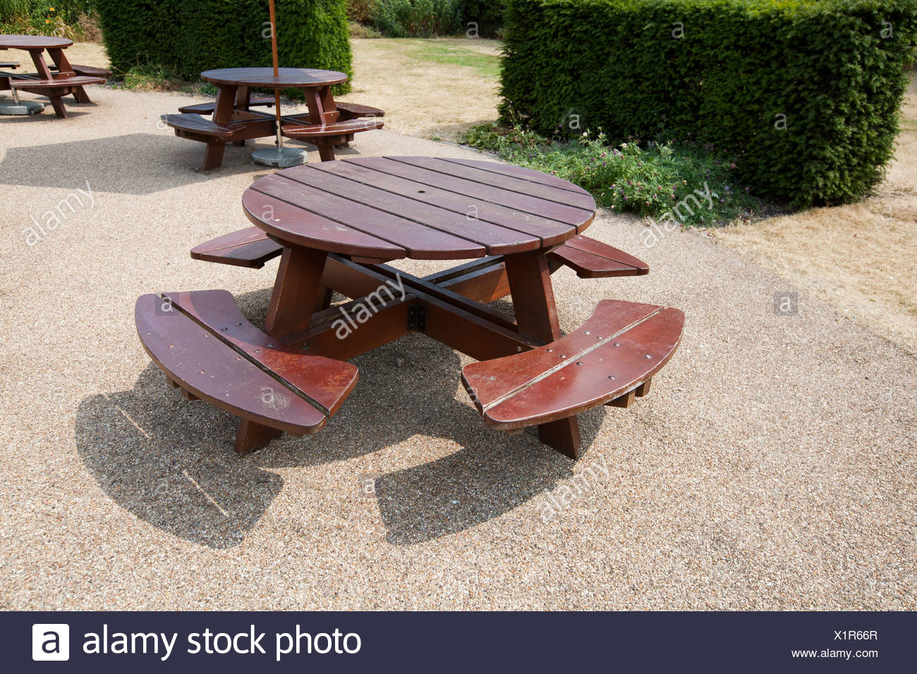 room round picnic with create design craftsmanbb benches beautiful wooden tables table