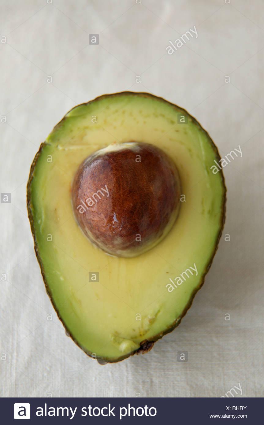 Avocado Pit Cut In Half Stock Photos Avocadoseeddiagram1 An With Image