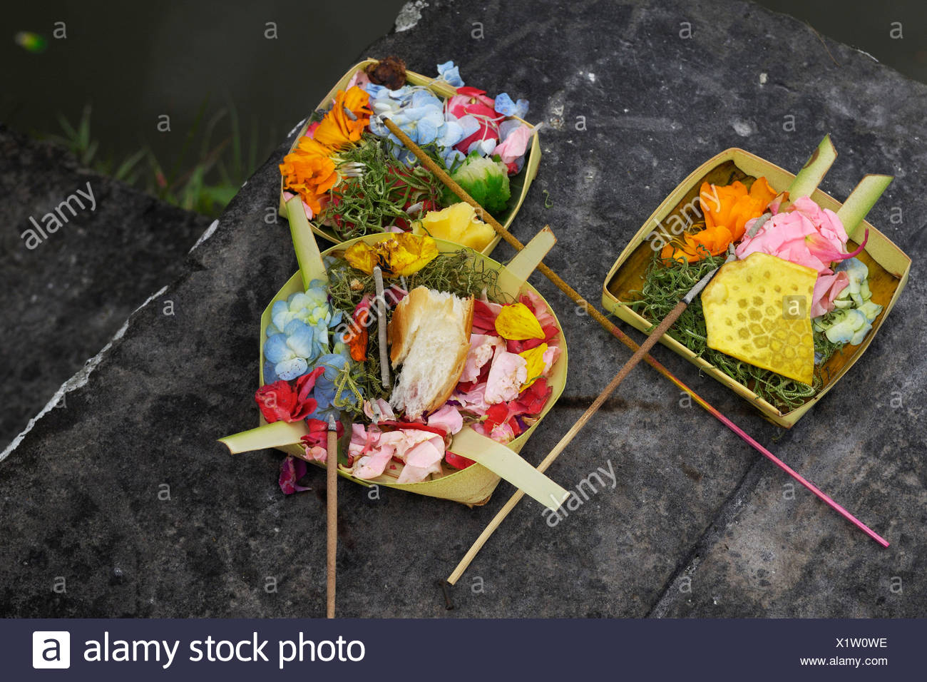 Sacrifical offerings to the gods, near Ubud, Indonesia - Stock Image
