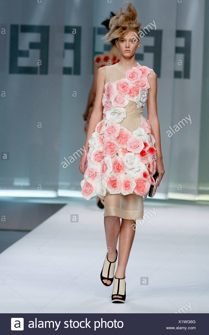 129dd2746ac Fendi Milan Ready to Wear Spring Summer Sleeveless flower dress with  platform shoes and bird nest