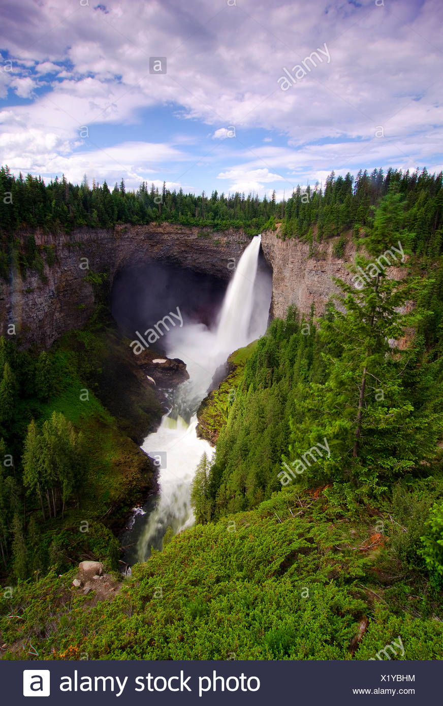 Classic view of Helcken Falls in Wells Gray Provincial Park, in the Thompson Okanagan region of British Columbia, Canada. - Stock Image