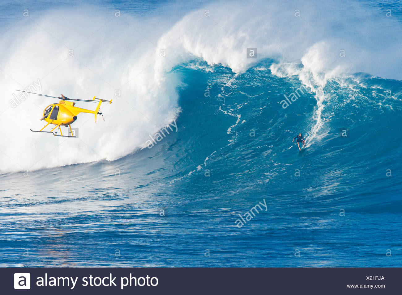 Hawaii Maui Peahi Jaws Helicopter Surfer Rides A Giant