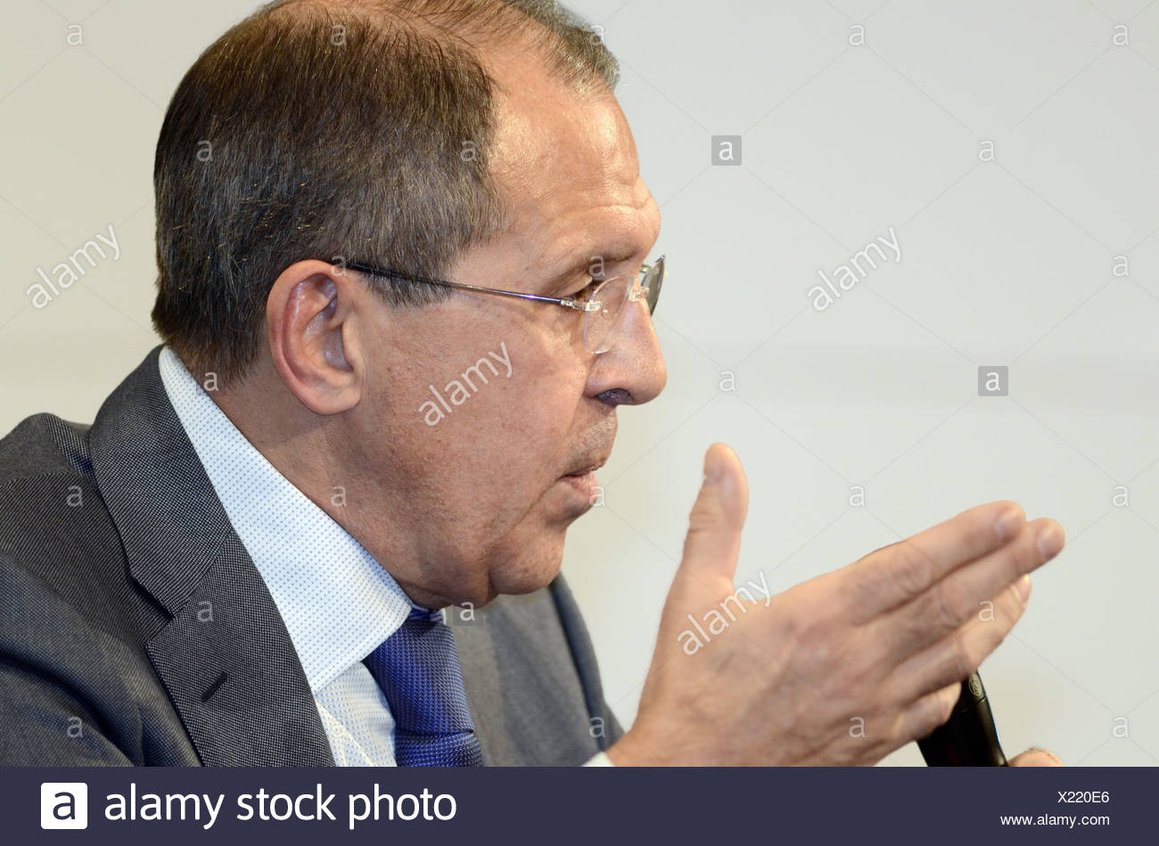 Lavrov, Sergey, * 21.3.1950, Russian politician, diplomat, foreign minister since 2004, portrait, members on the Munich Conference on Security Policy, Hotel Bayerischer Hof, Munich, Germany, 4.2.2012, Additional-Rights-Clearances-NA - Stock Image