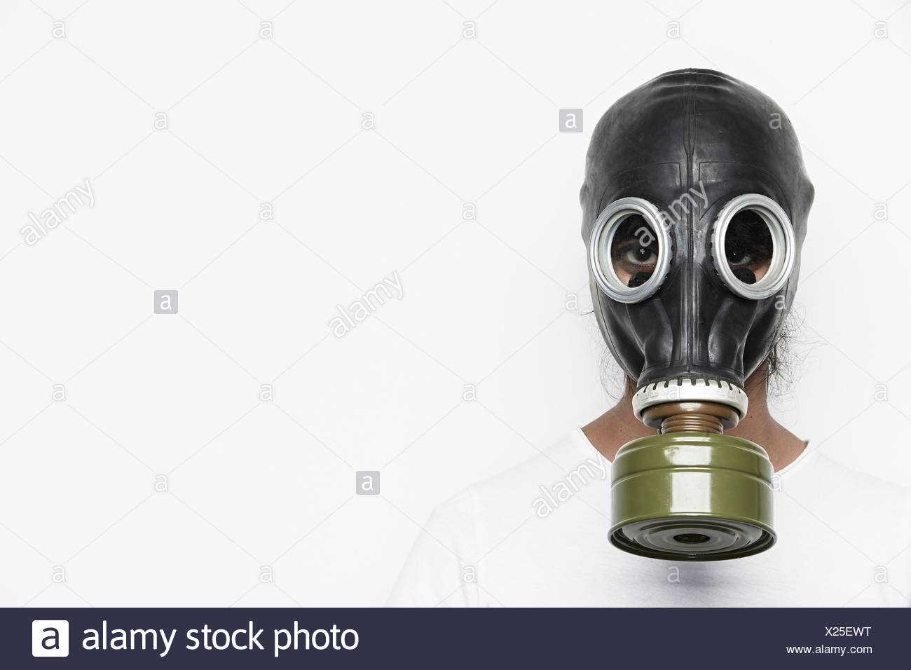 Woman wearing gas mask - Stock Image