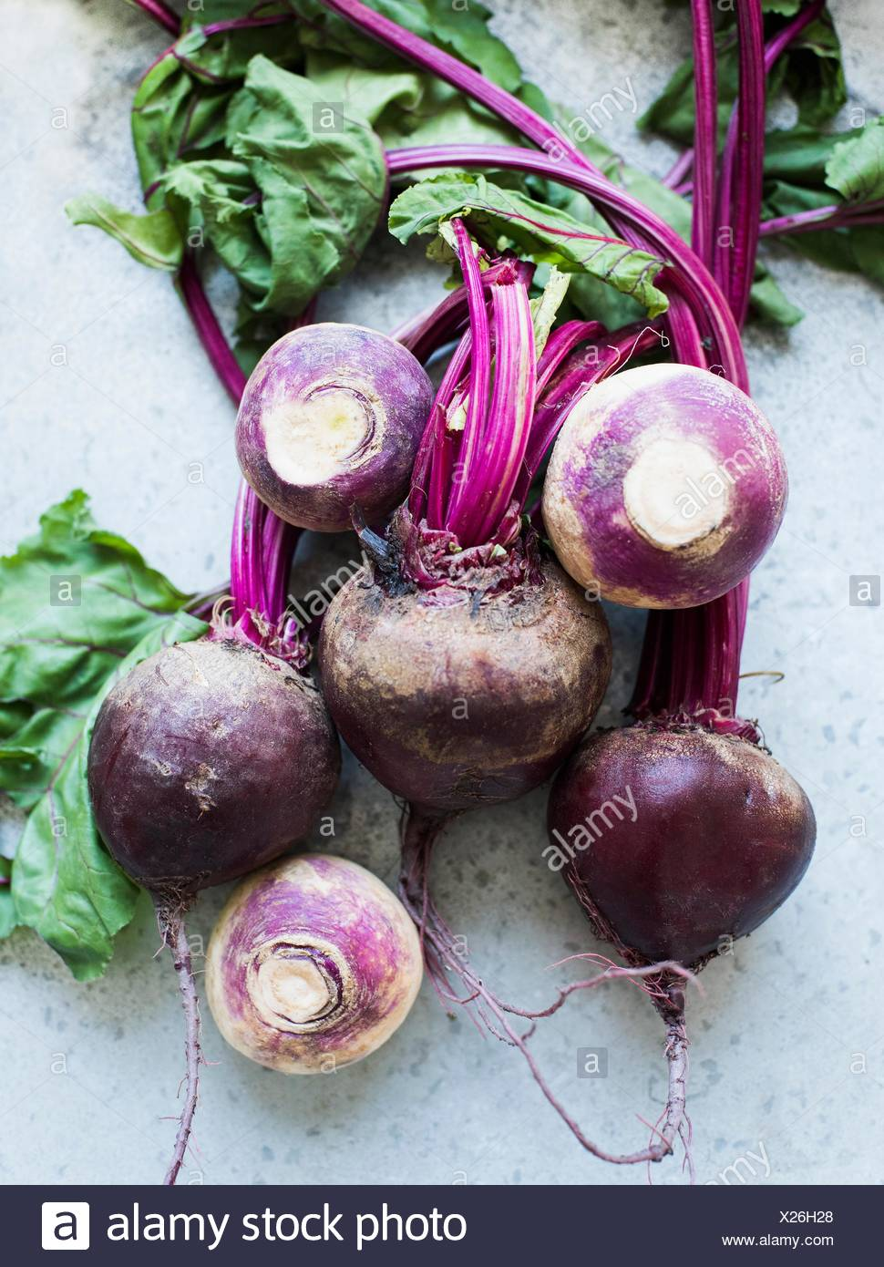 Overhead view of bunch of beetroots and turnips - Stock Image