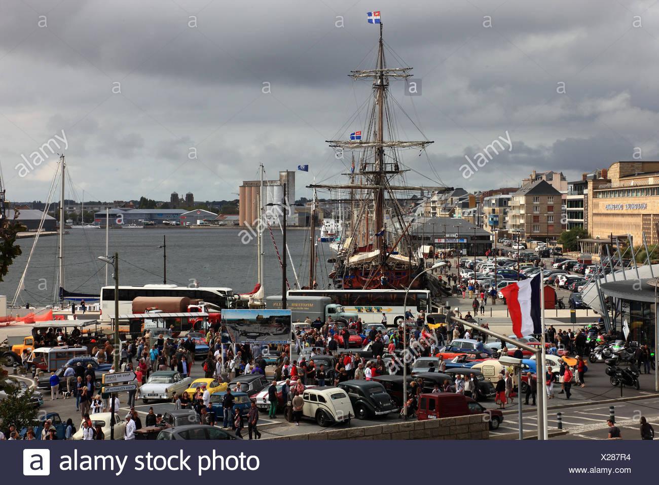 Frankreich, Region Bretagne, Oldtimertreffen im Jachthafen von Saint Malo Stock Photo