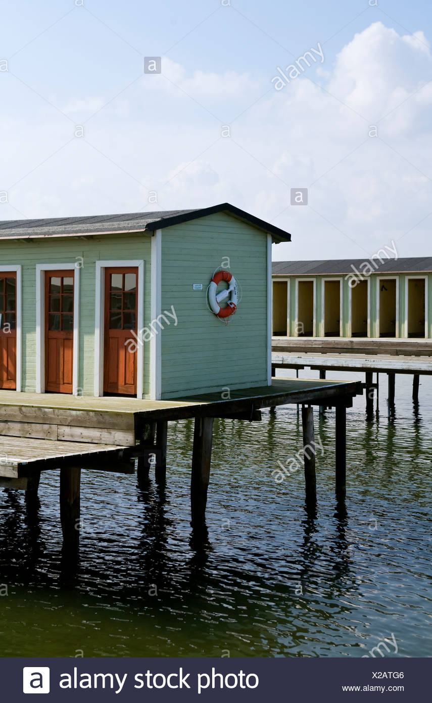 Dressing rooms on wooden pier - Stock Image