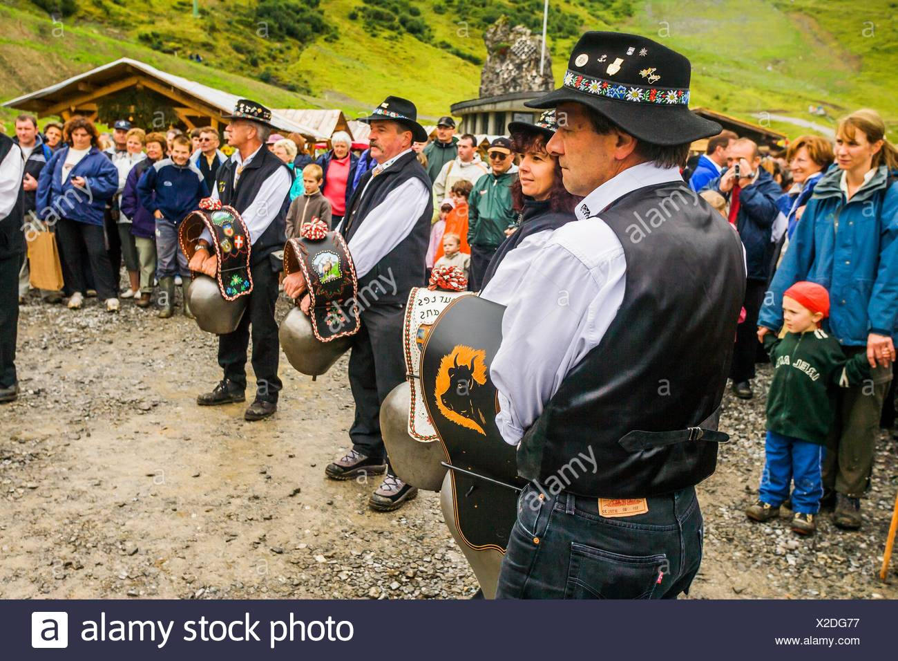 France, Rhone-Alpes, Chatel. La Belle Dimanche, traditional folk festival. Bell players - Stock Image