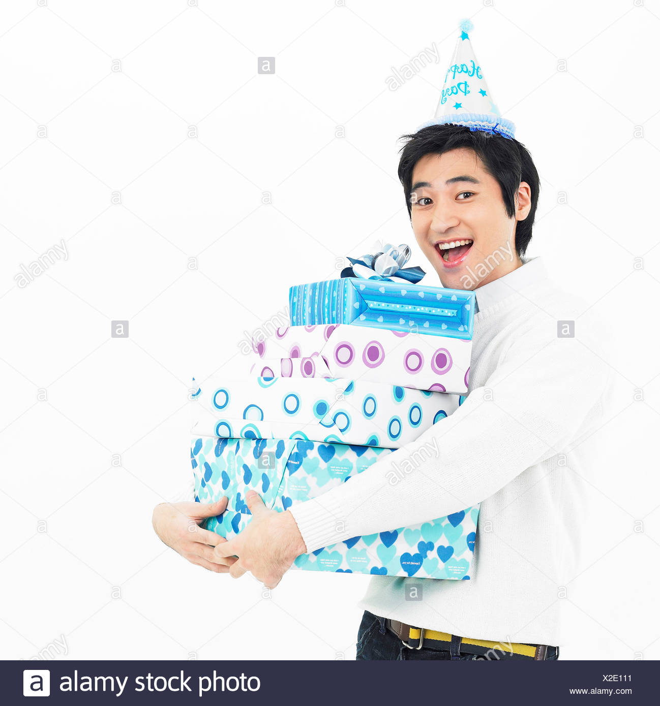 135e7c65 a man put a peaked hat with holding gift case Stock Photo: 276903341 ...