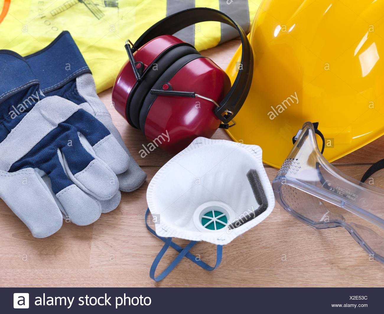 Ppe Face Mask Stock Photos Amp Ppe Face Mask Stock Images