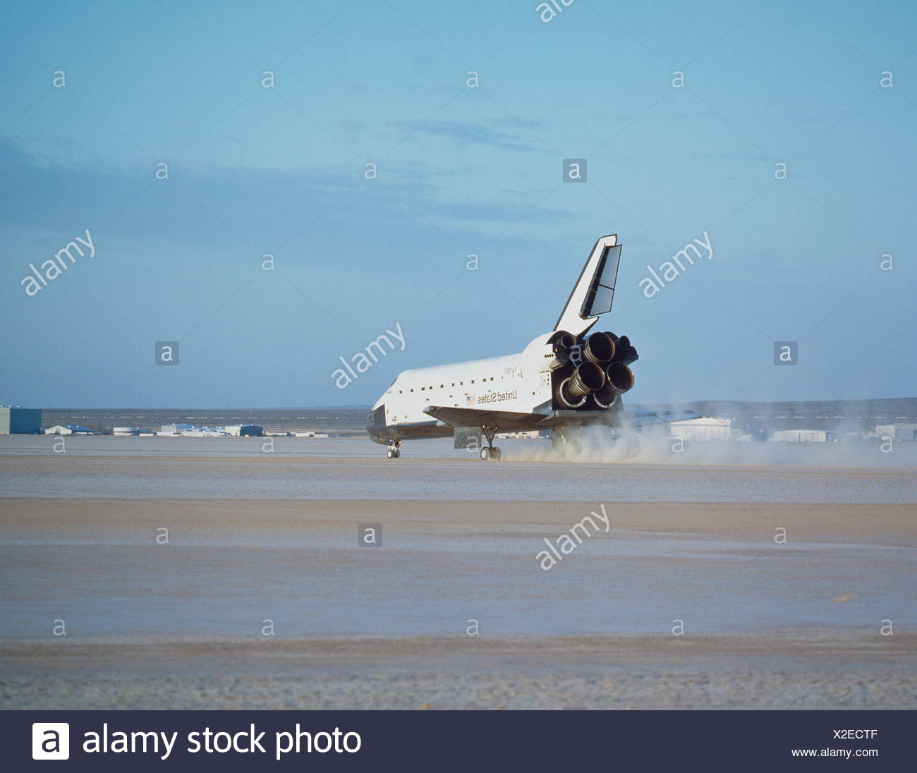 space shuttle landing at edwards air force base - photo #40