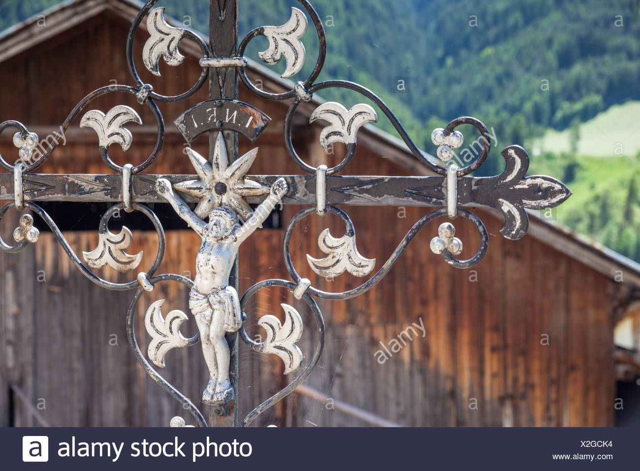 geography / travel, Italy, South Tyrol, old grave cross on the cemetery of St. Peter in the Villnoesstal, Additional-Rights-Clearance-Info-Not-Available - Stock Image
