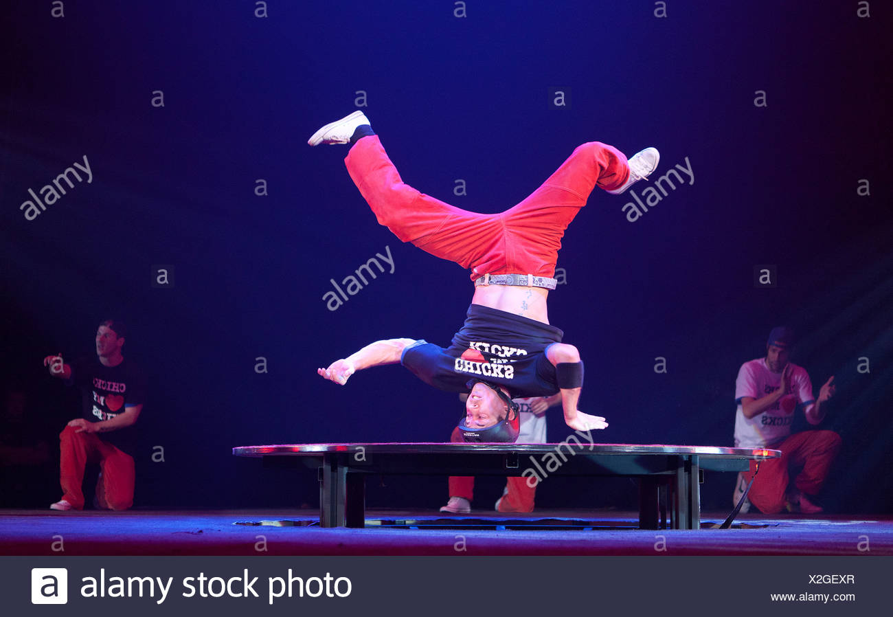 The Sick 7 crew, FlicFlac Christmas Circus, premiere of Schrille Nacht, eilige Nacht, Westfalia Hall, Dortmund - Stock Image