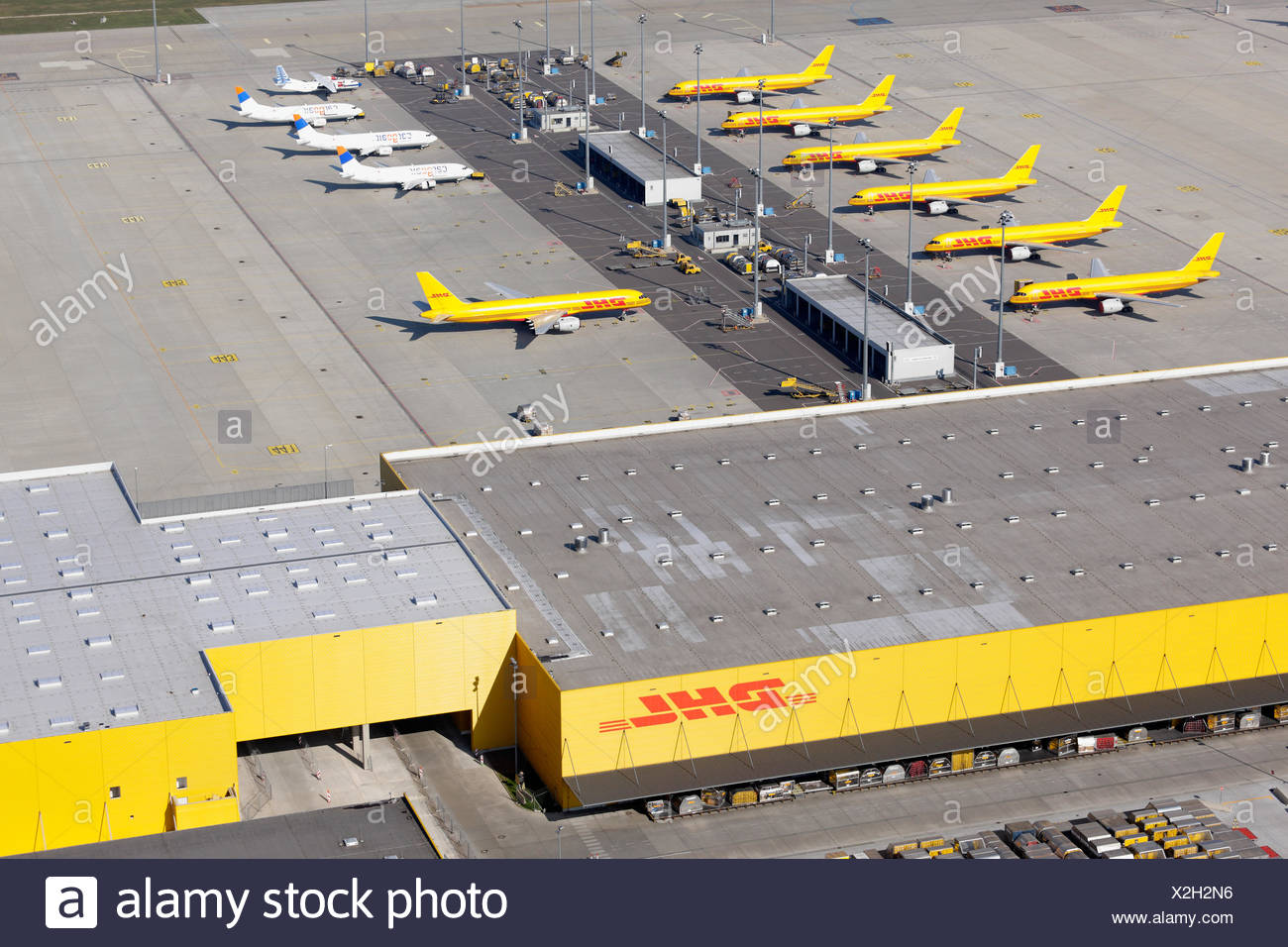 schkeuditz germany overlooking the dhl air freight hub at the airport leipzig halle stock. Black Bedroom Furniture Sets. Home Design Ideas