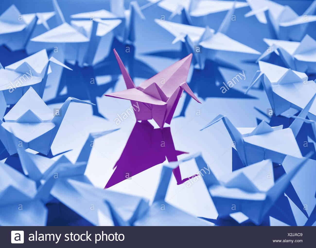 Origami, Voegel aus Papier gefaltet - Stock Image