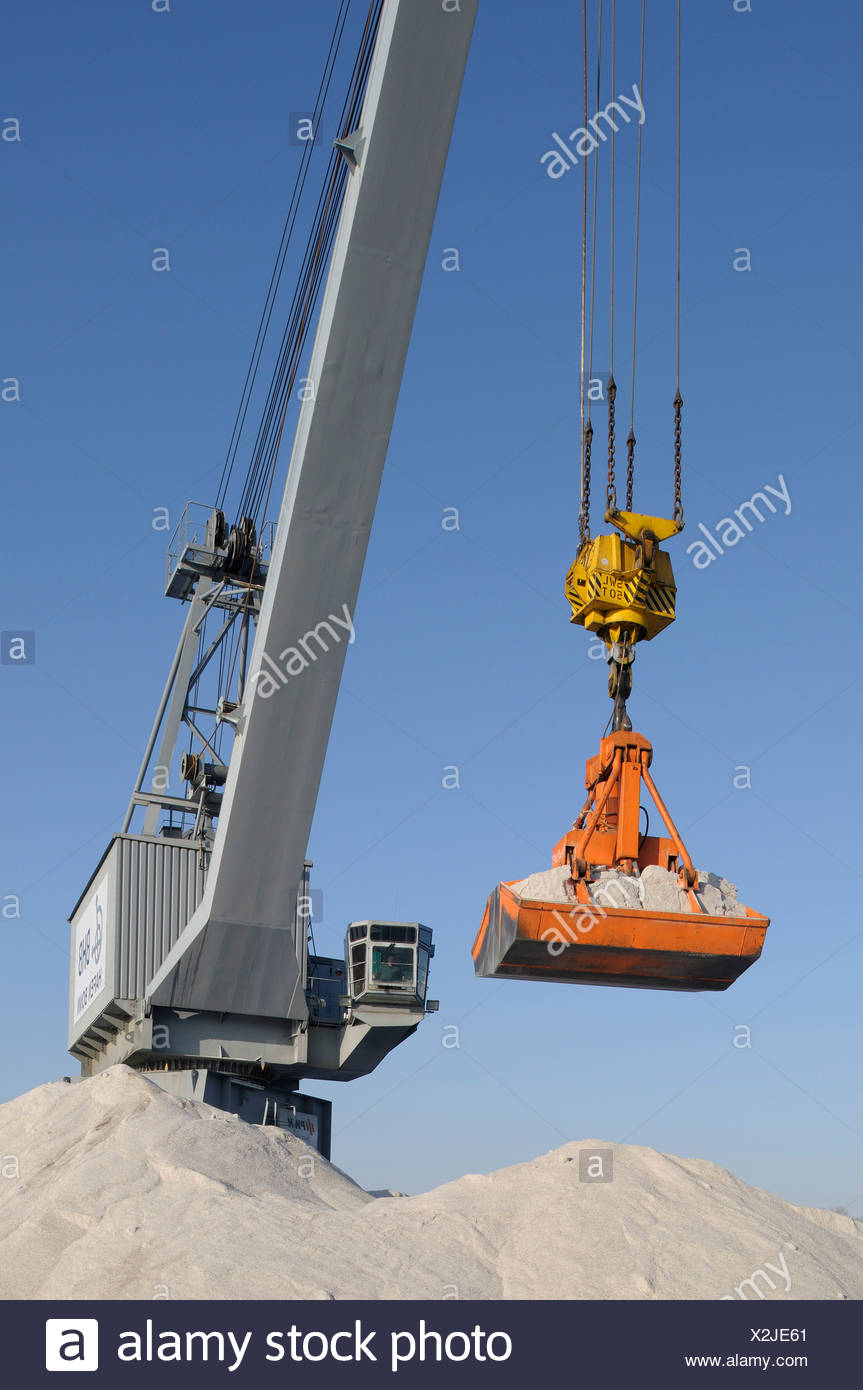 Bulk materials transfer, crane with a full scoop, Bonn harbour, Bonn, North Rhine-Westphalia, Germany, Europe - Stock Image