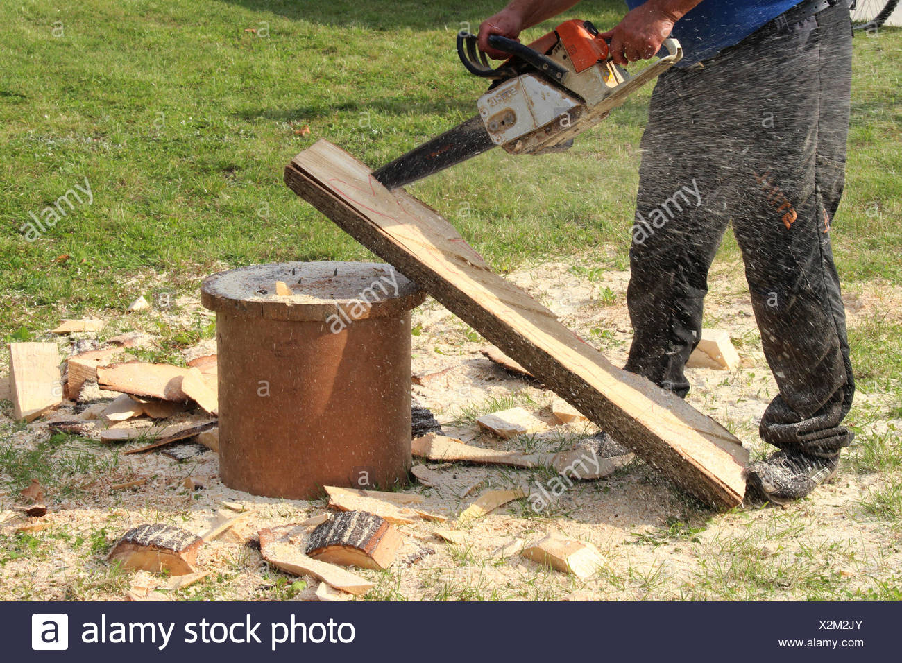 chainsaw artist - Stock Image