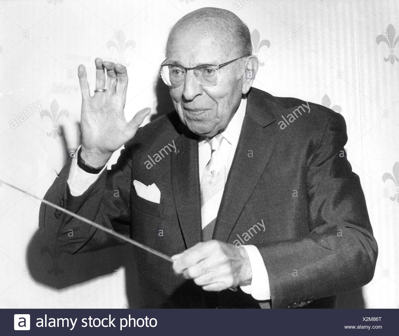 Stolz, Robert, 25.8.1880 - 27. 6.1975, Austrian composer, conducting, 1960s, stick, baton, conductor, , Additional-Rights-Clearances-NA - Stock Image