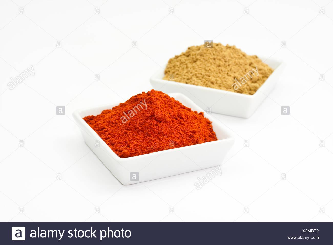 Chilipulver und Korianderpulver, chili powder and coriander powder - Stock Image
