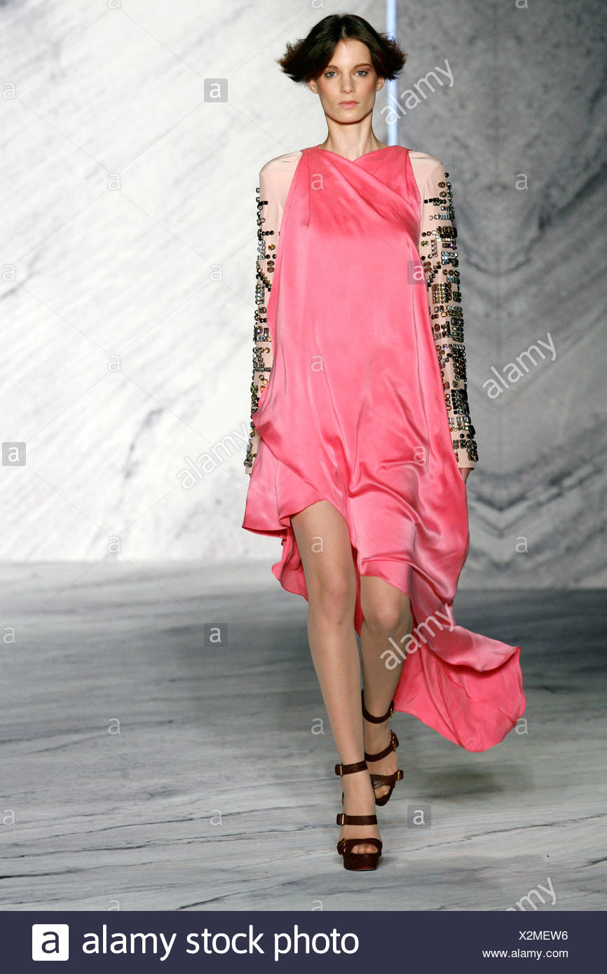 f8e62a5e747 Phillip Lim New York Ready to Wear Autumn Winter Pink dress embellished  cream sleeves