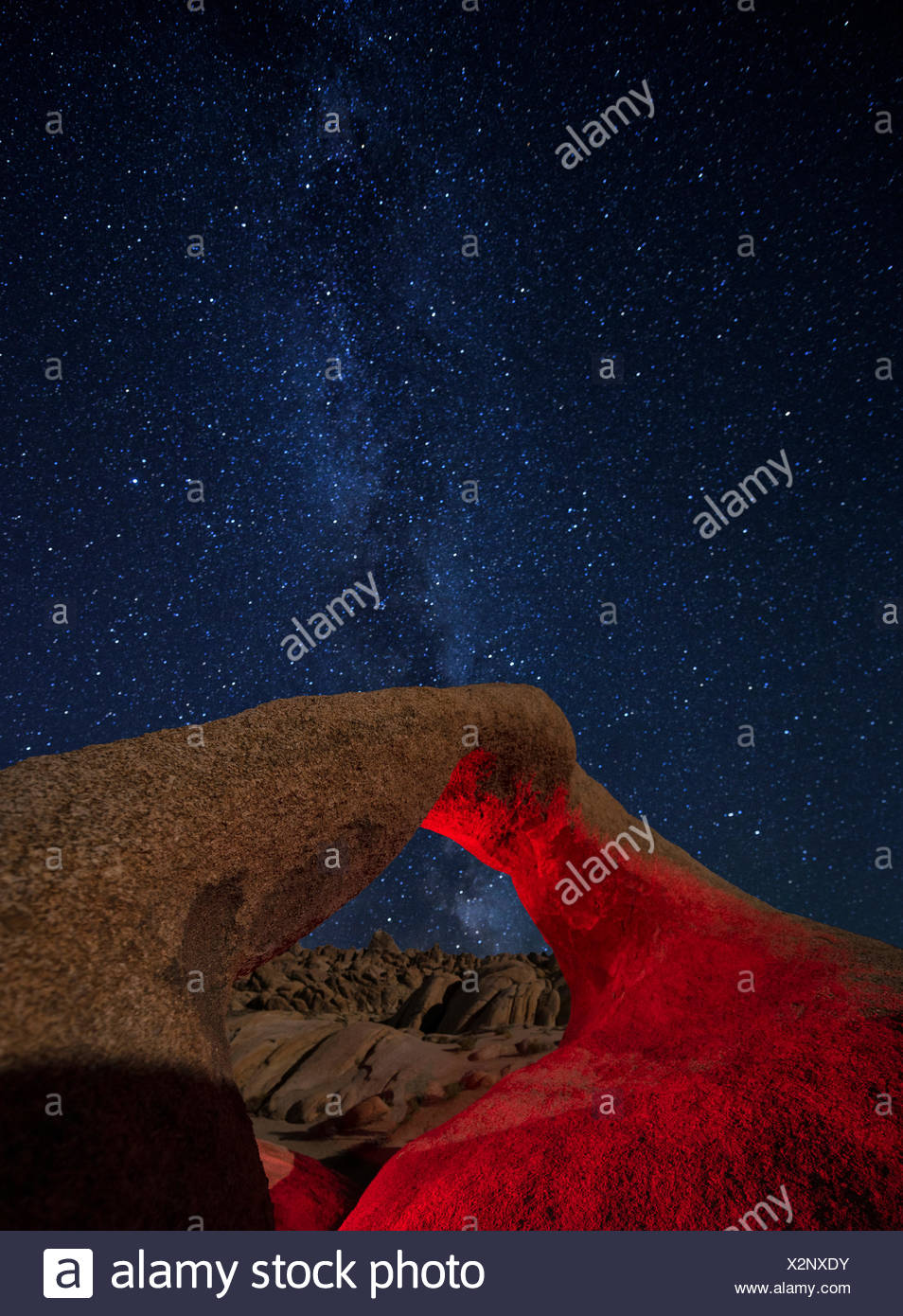 USA,California,Eastern Sierra,Lone Pine,Alabama Hills,Mobius Arch - Stock Image