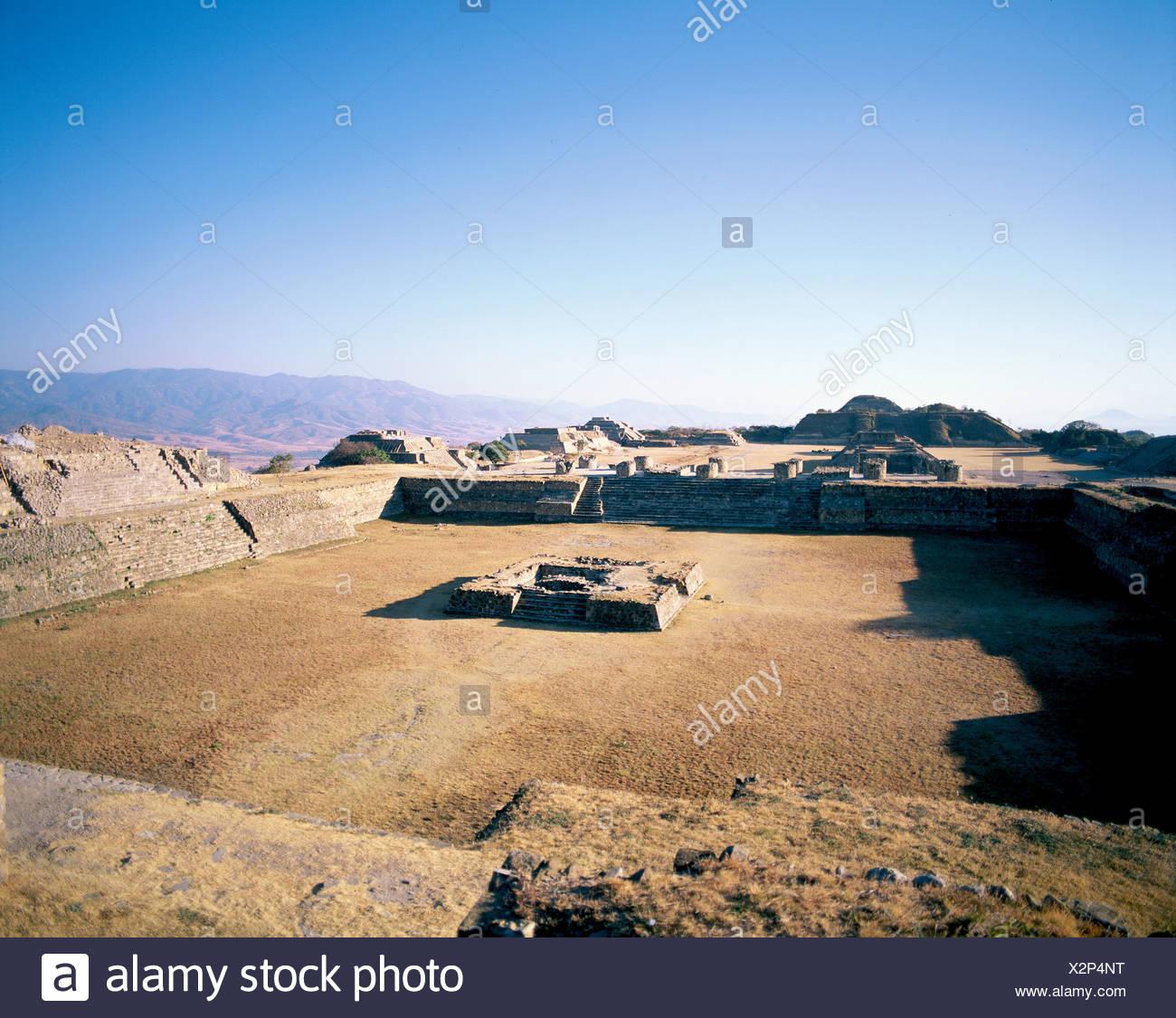 culture Mexico Central America Latin America Monte Alban Ruinen south platform - Stock Image