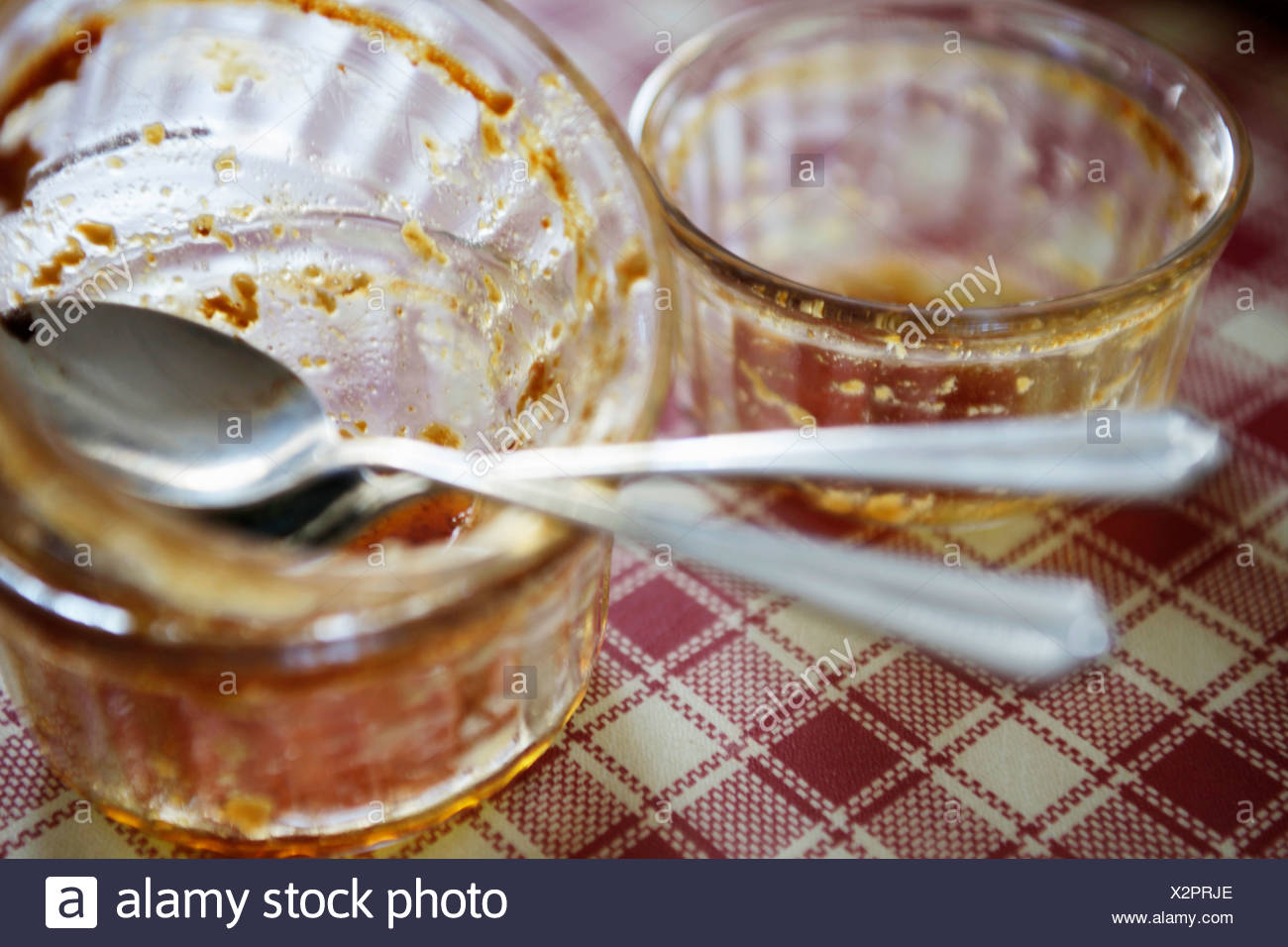 Finished ramekins of Crèmes brûlées - Stock Image