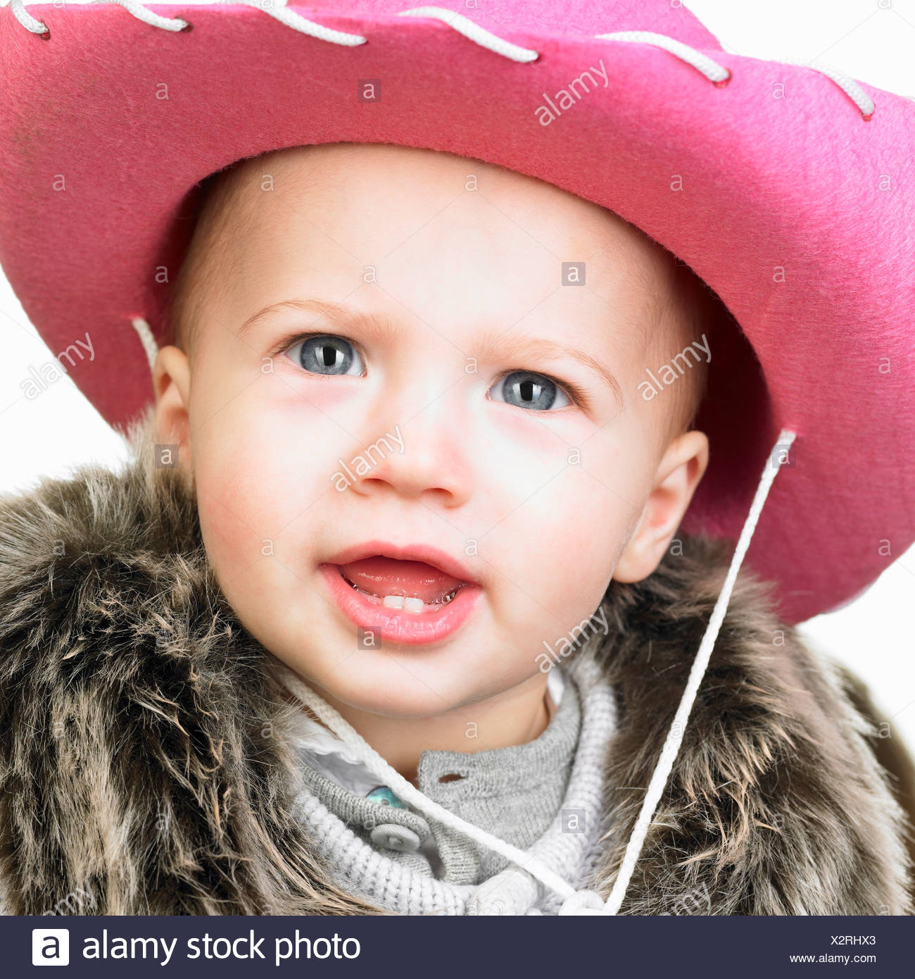 b7d7dee9157c9 Baby girl with cowgirl hat on her head Stock Photo  277114155 - Alamy