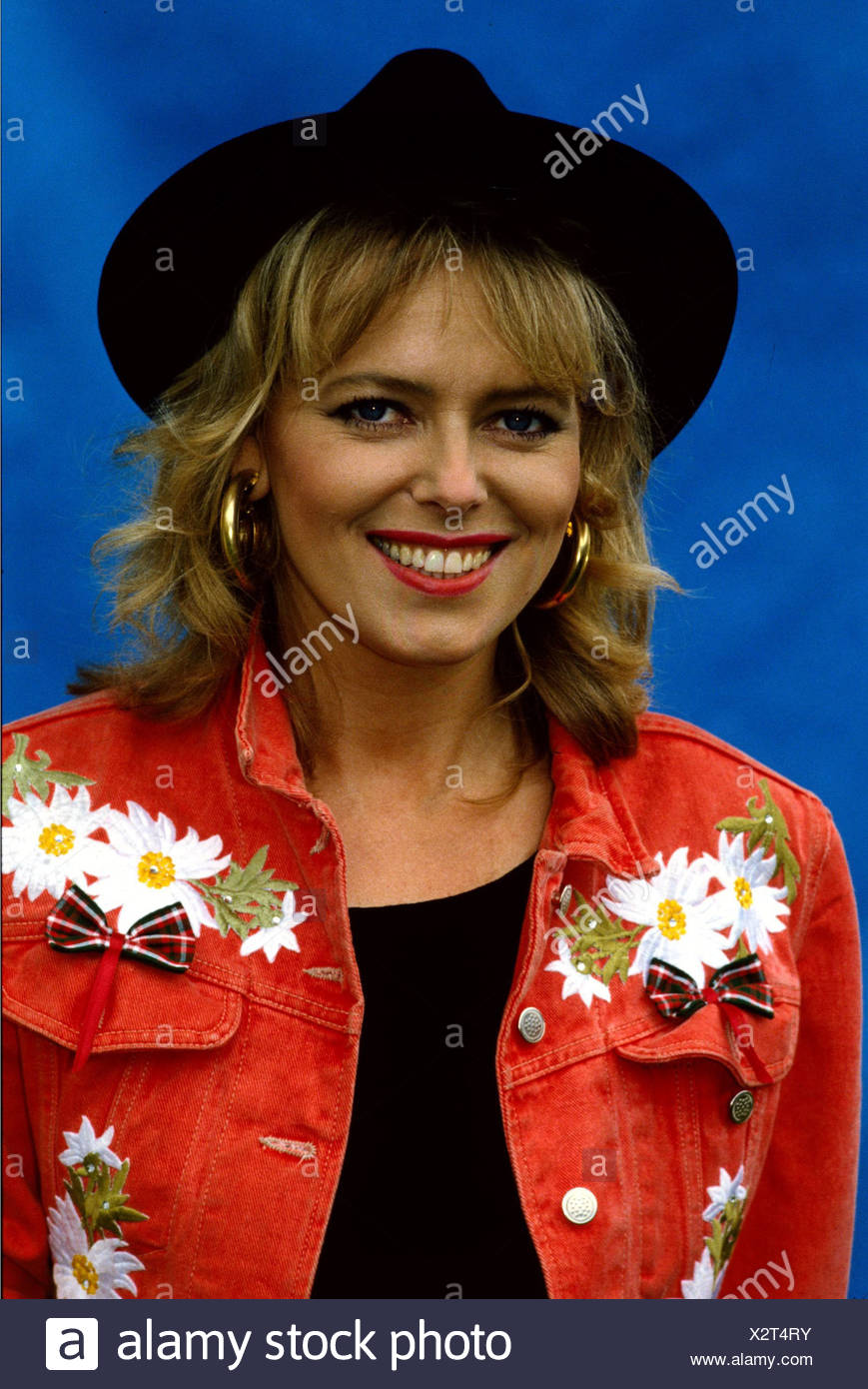 Herrmann Eva, * 9.11.1958, German TV presenter, portrait, with hat, Additional-Rights-Clearances-NA - Stock Image