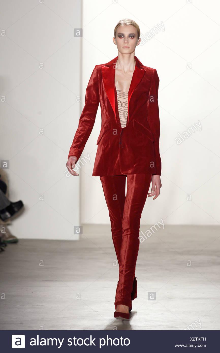 Altuzarra New York Ready to Wear Autumn Winter Red tuxedo