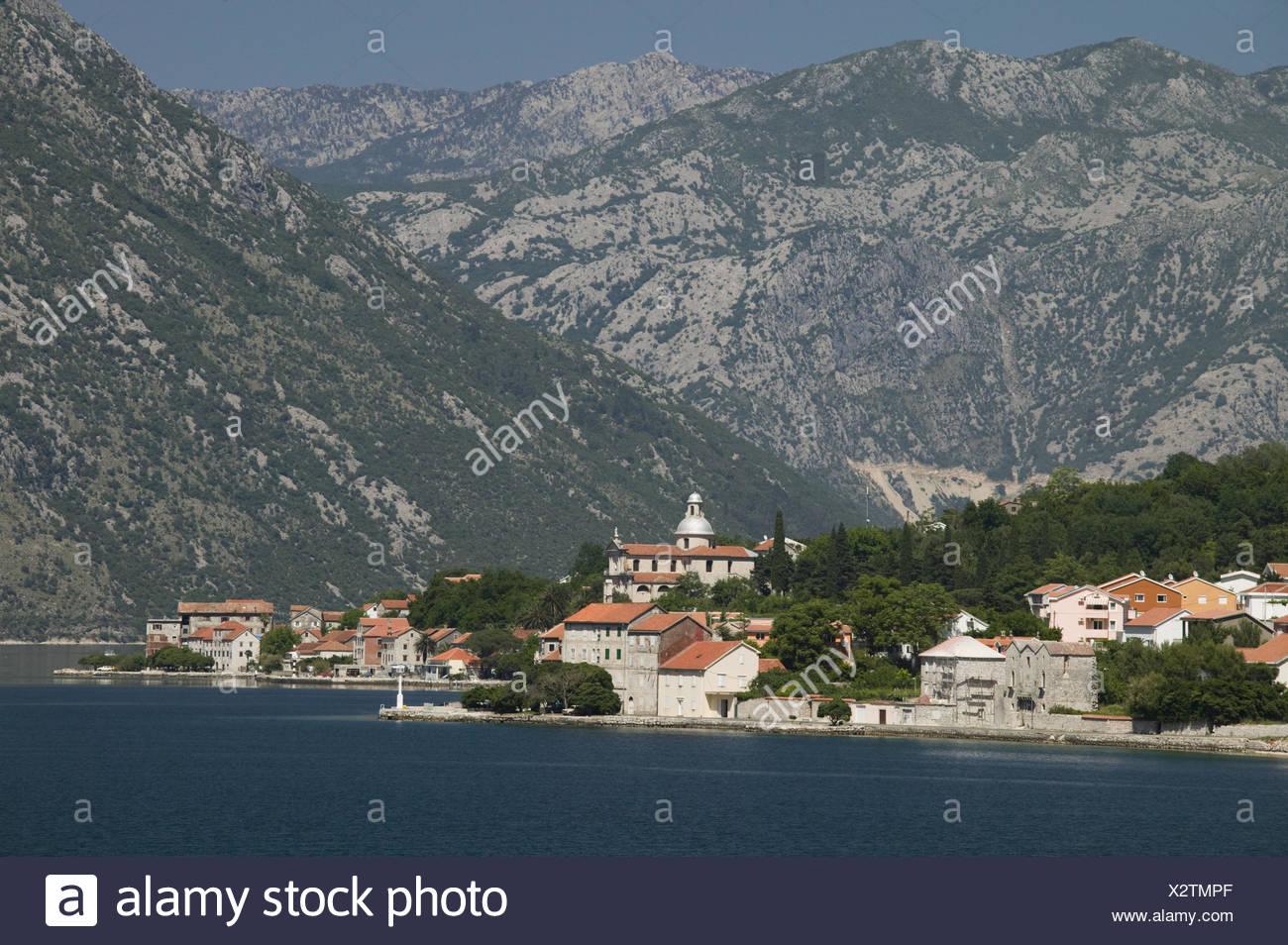Montenegro, Bucht von Kotor, Prcanj, Ortsansicht, - Stock Image