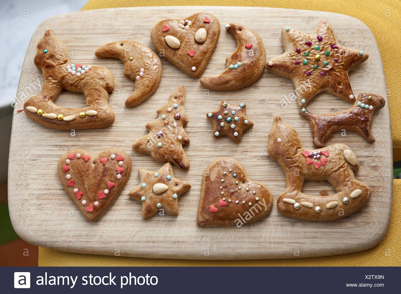 Gingerbread Decorates Motifs Passed Away Crumble Wooden