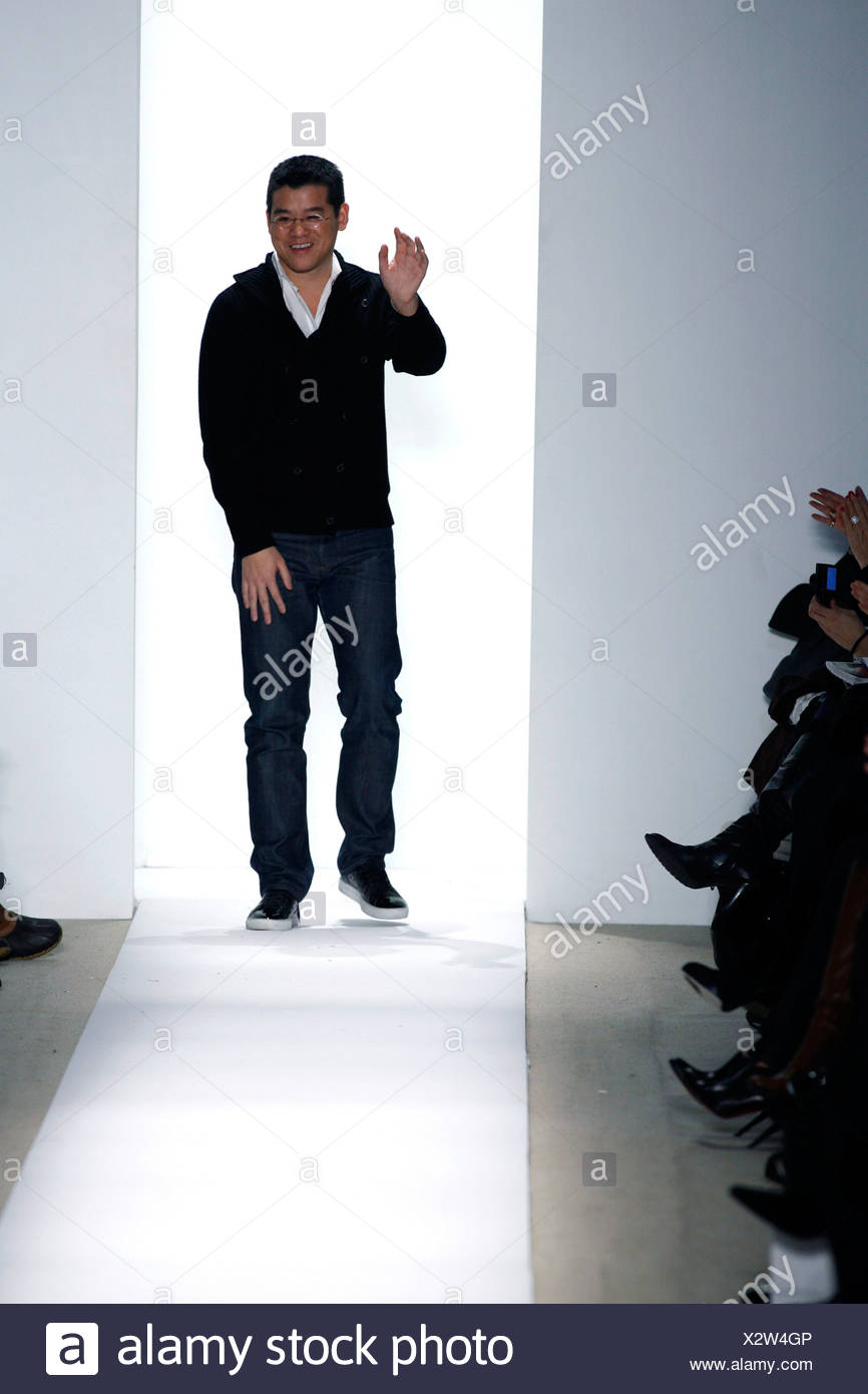 Peter Som New York Ready To Wear Autumn Winter Fashion Designer Peter Som Wearing Black Jeans And Jumper Round Glasses Standing Stock Photo 277147606 Alamy