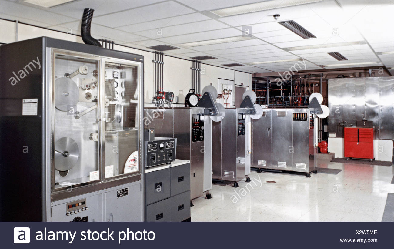 State-of-the-art high speed motion picture processors black-and-white film processing machines ultrasonic film cleaning machine. - Stock Image