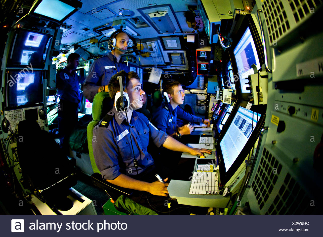 Sonar operators in the sound room of Nuclear Submarine HMS Talent Stock  Photo - Alamy
