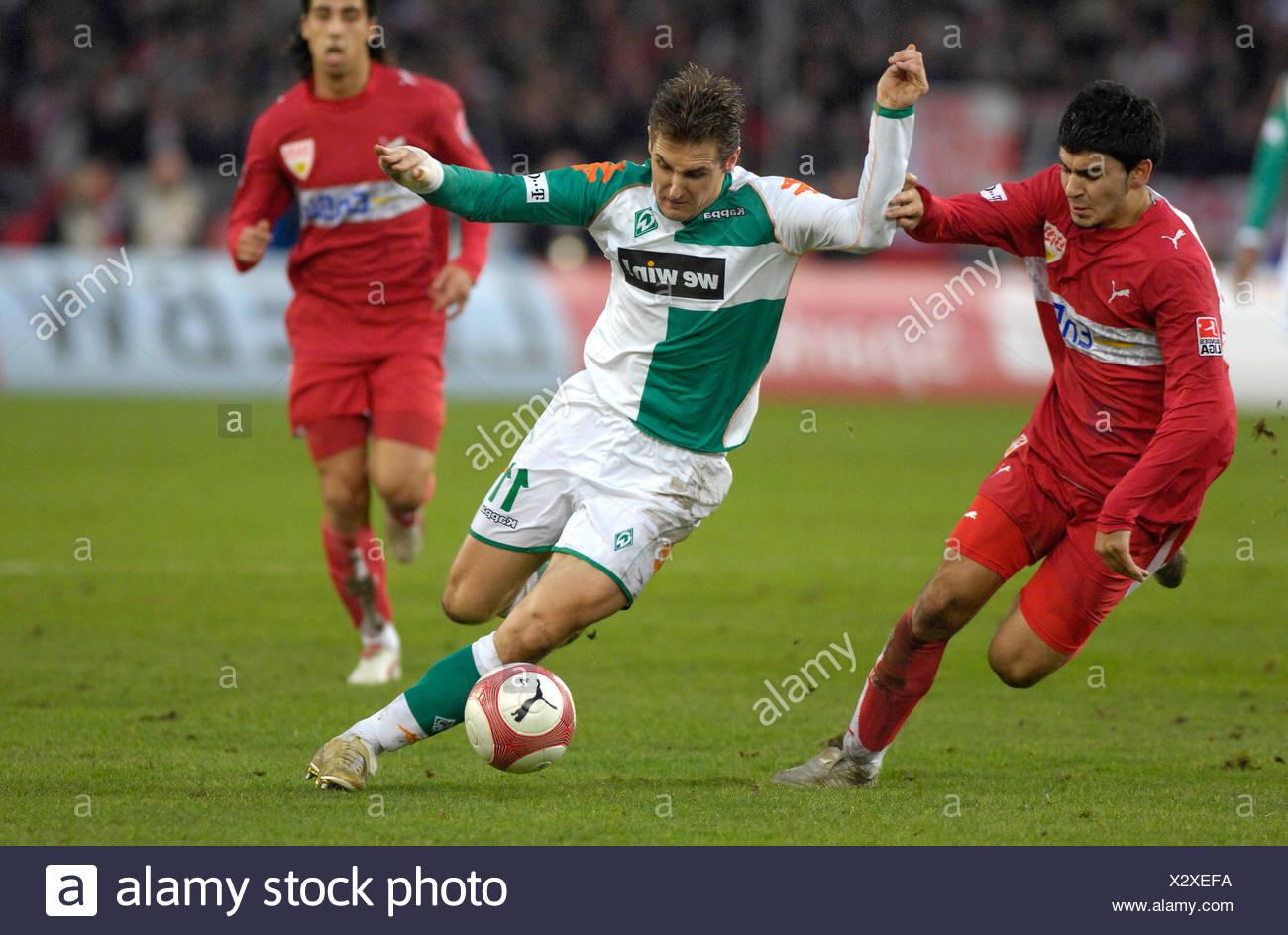 Serdar TASCI VfB Stuttgart (left) vs. Miroslav KLOSE Werder Bremen (right) - Stock Image