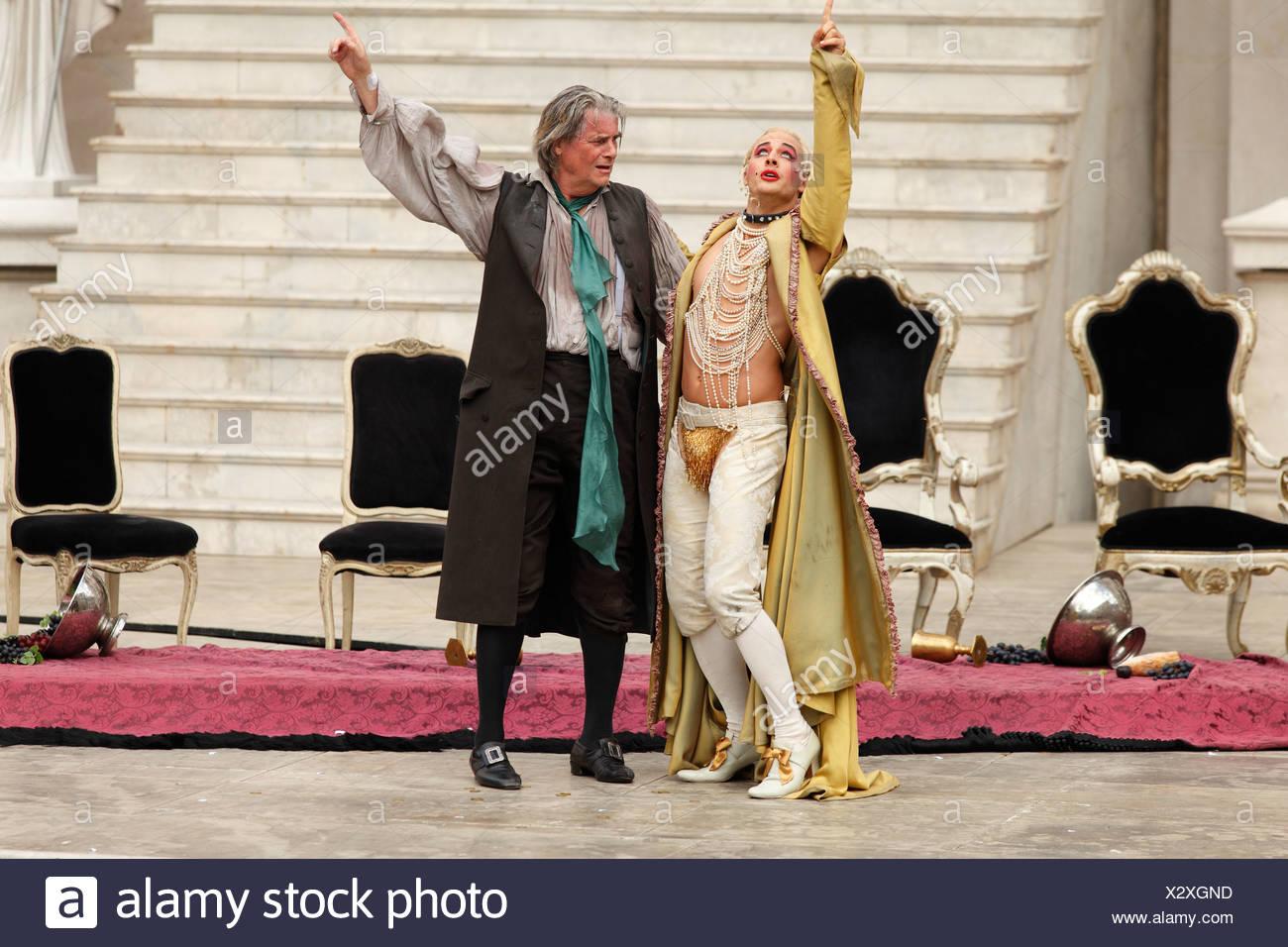 Jedermann, Everyman, 2009, played by Peter Simonischek with Gabriel Raab as Mammon, play by Hugo von Hofmannsthal, Salzburg Fes - Stock Image